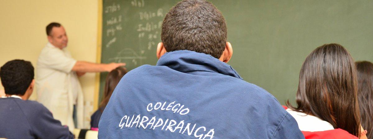 <p>O Colégio Guarapiranga há mais de 20 anos vem em constante crescimento por colocar a disposição de todos um corpo docente qualificado que trabalha com amor e carinho na Educação Infantil, no Ensino Fundamental e no Ensino Médio.</p>